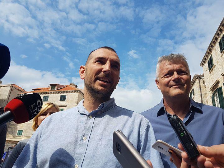 Đuro Capor (Srđ je naš): S pojedincima iz platf…