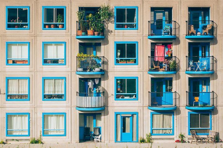 STANOVI U JAVNOM VLASNIŠTVU  Udio stanova u javno…