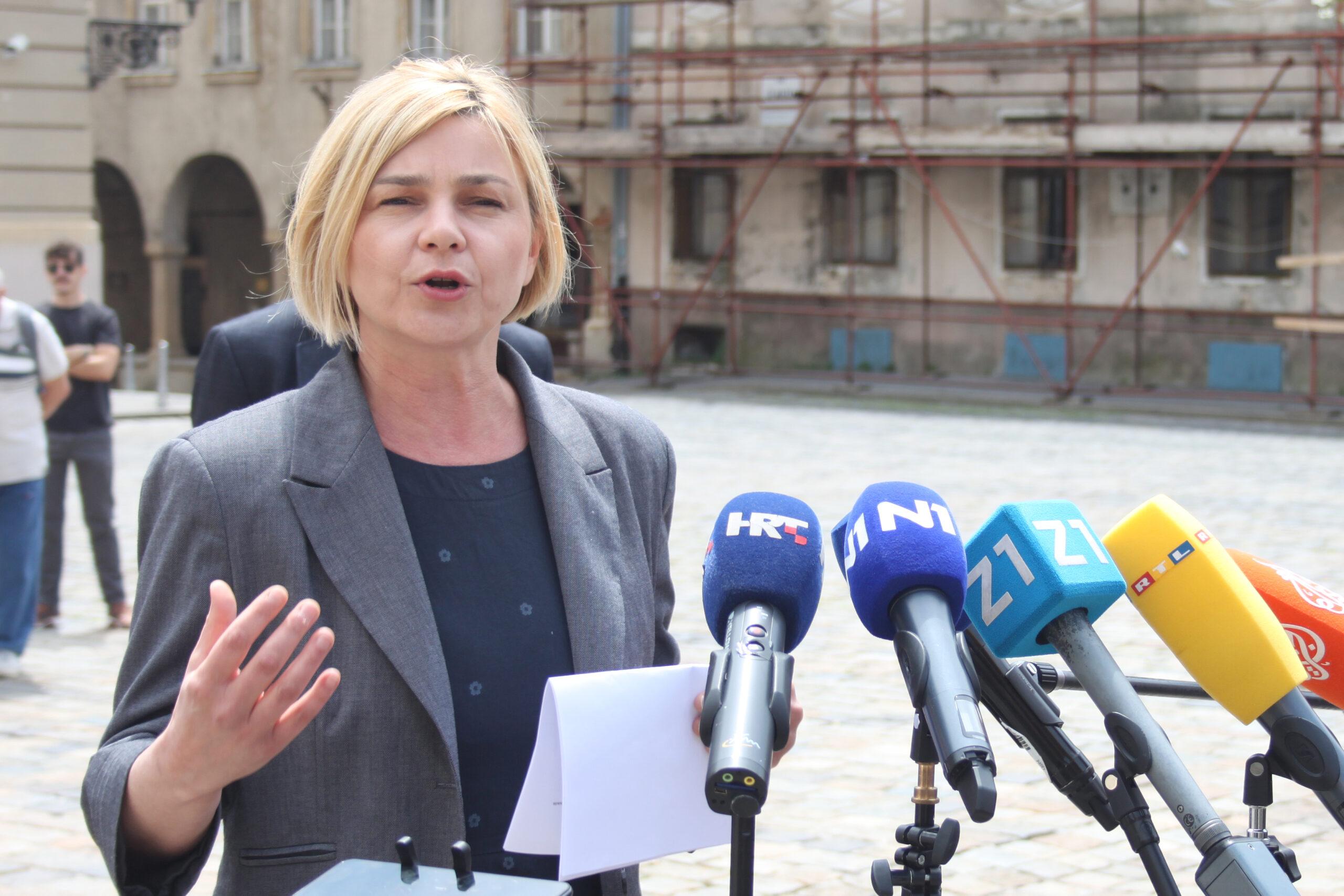 Benčić: Vlada katastrofalnim upravljanjem krizom prebacuje odgovornost na građane