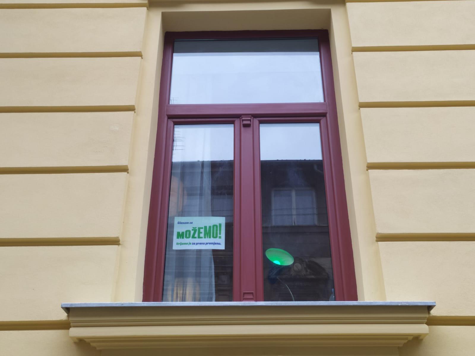 I prozori i izlozi su naši!